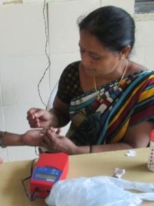 A Sahayogini (community health worker) trained by MAVIM. Photo courtesy of MAVIM.